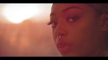 R2Bees - 'Sunshine' video